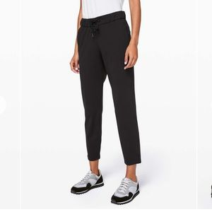 Lululemon On The Fly 7/8 WL Pant Woven Size 6 NWT